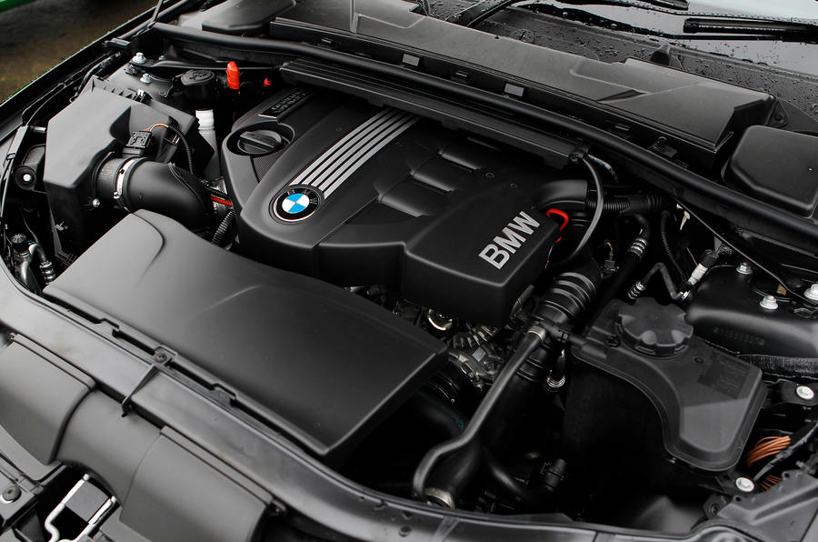 3.0-litre twin-turbo Alpina B3 S engine