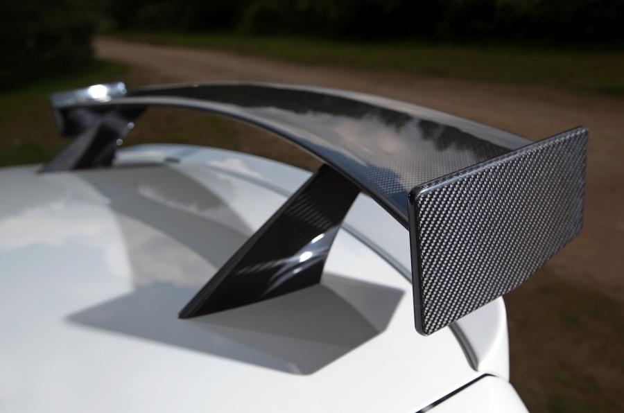 Rear wing on Alpina B3 GTS