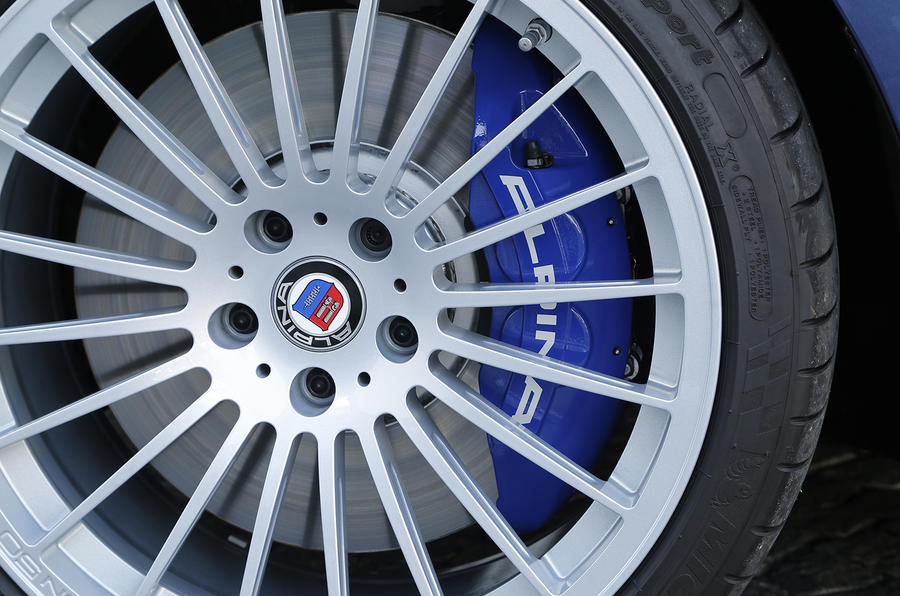 Blue calipers on the Alpina B5