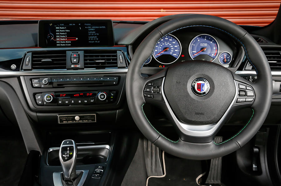 Alpina D4 Biturbo's dashboard