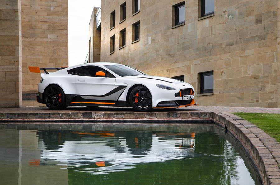 4 star Aston Martin Vantage GT12