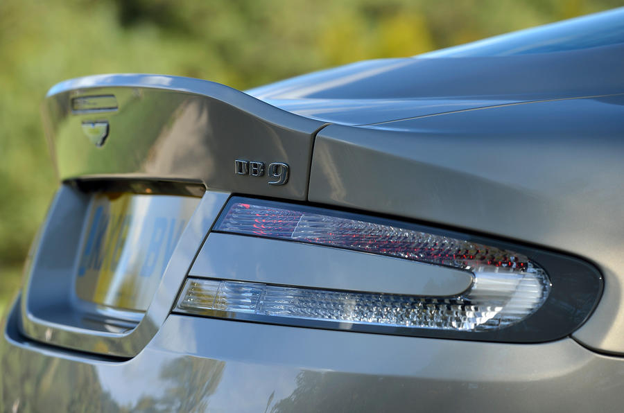Aston Martin DB9 rear spoiler