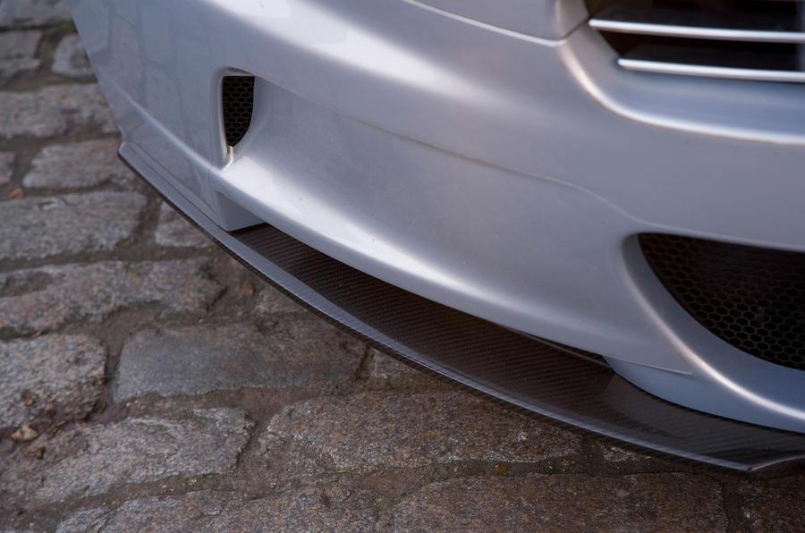 Aston Martin DBS's splitter