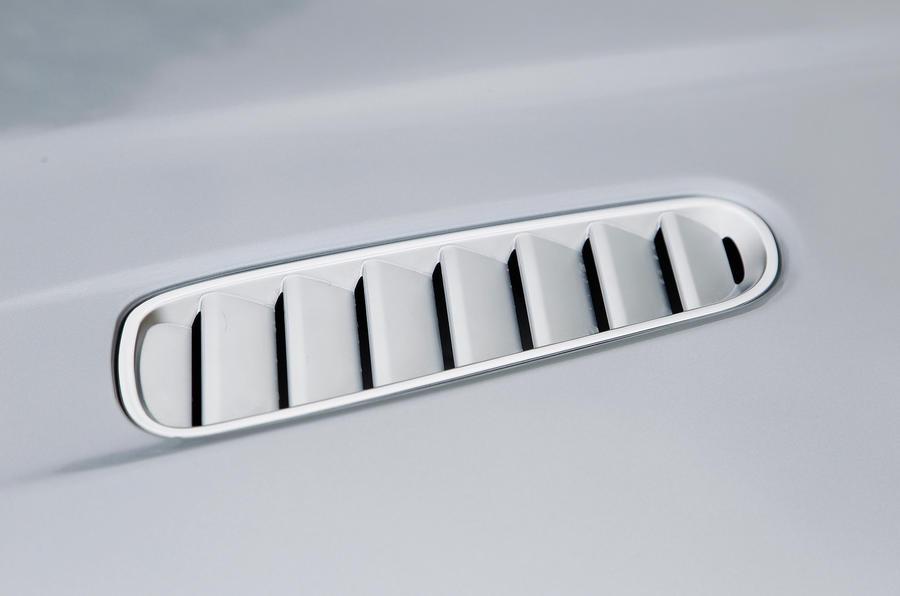 Aston Martin Rapide bonnet vent