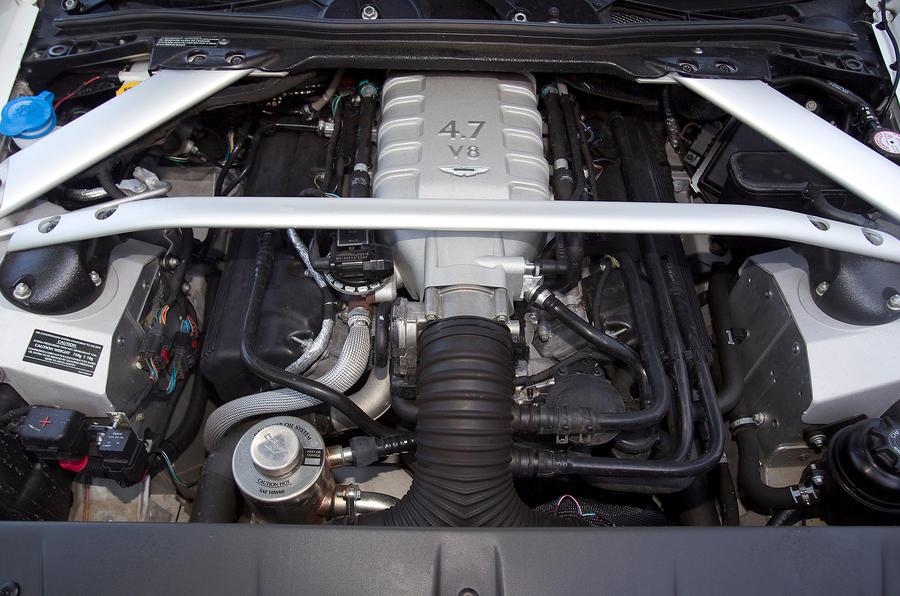 4.7-litre engine Aston Martin V8 Vantage
