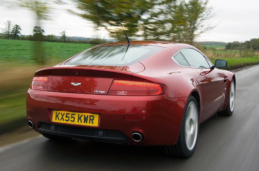 Aston Martin V8 Vantage exhausts