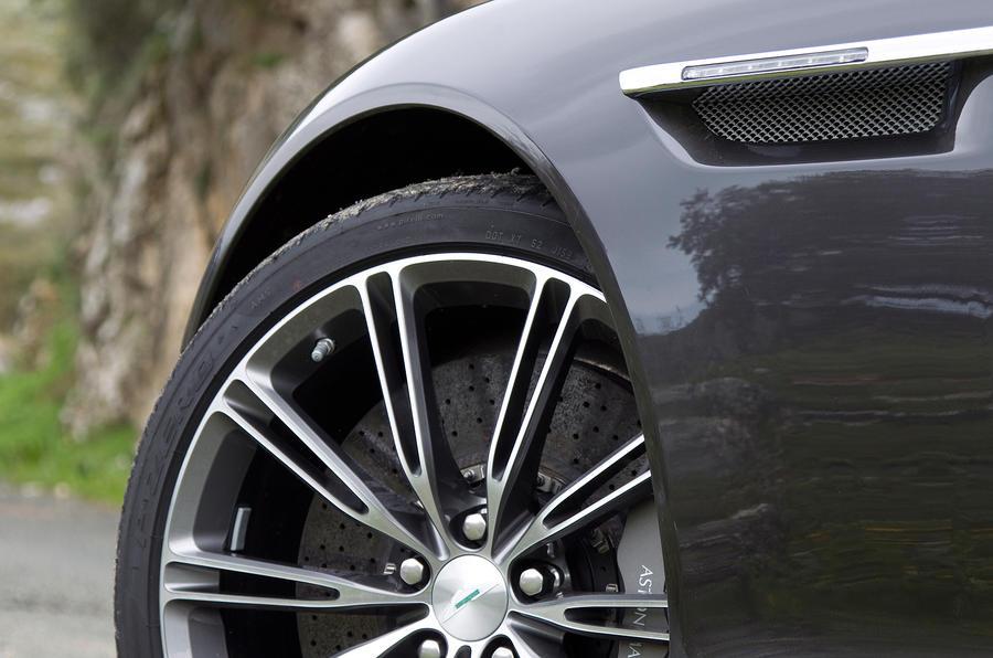 Aston Martin Virage's 20in alloys