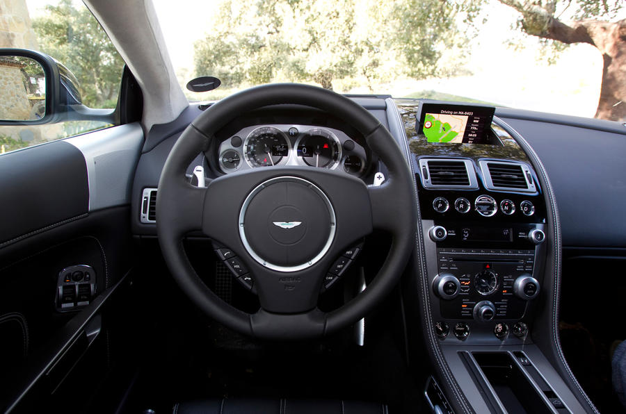 Aston Martin Virage's dashboard