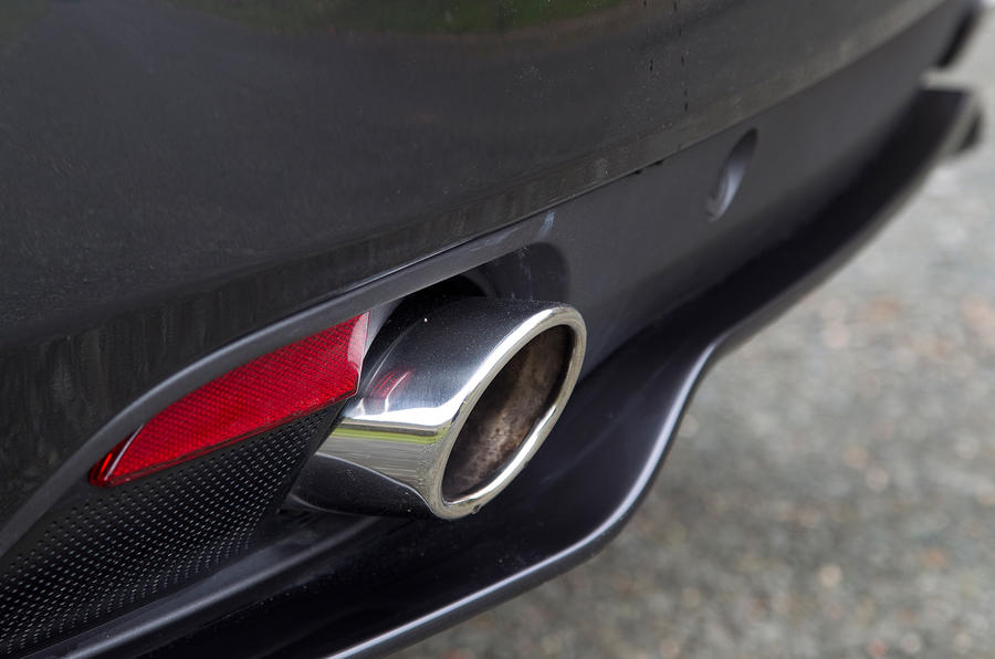 Aston Martin Virage twin exhaust