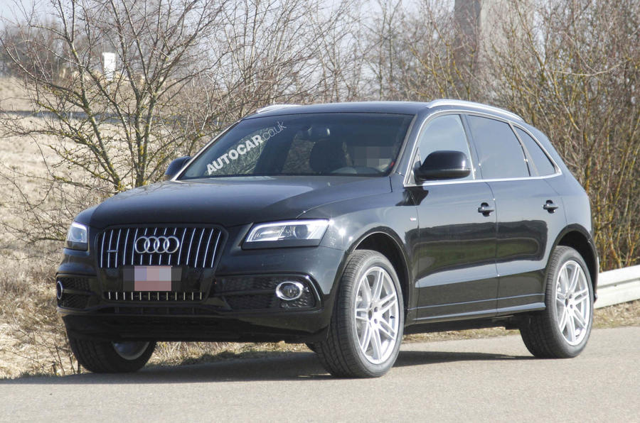 Facelifted Audi Q5 spied