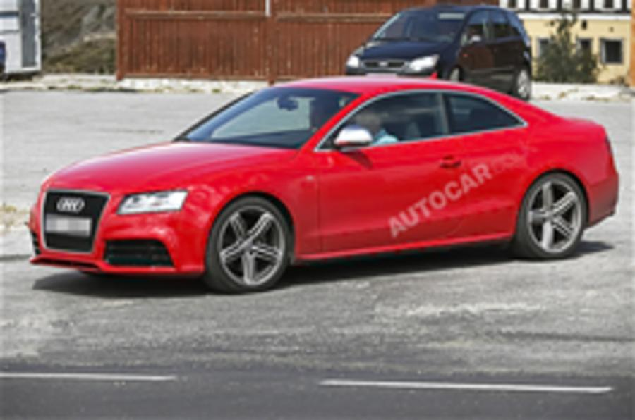 Audi RS5 snapped