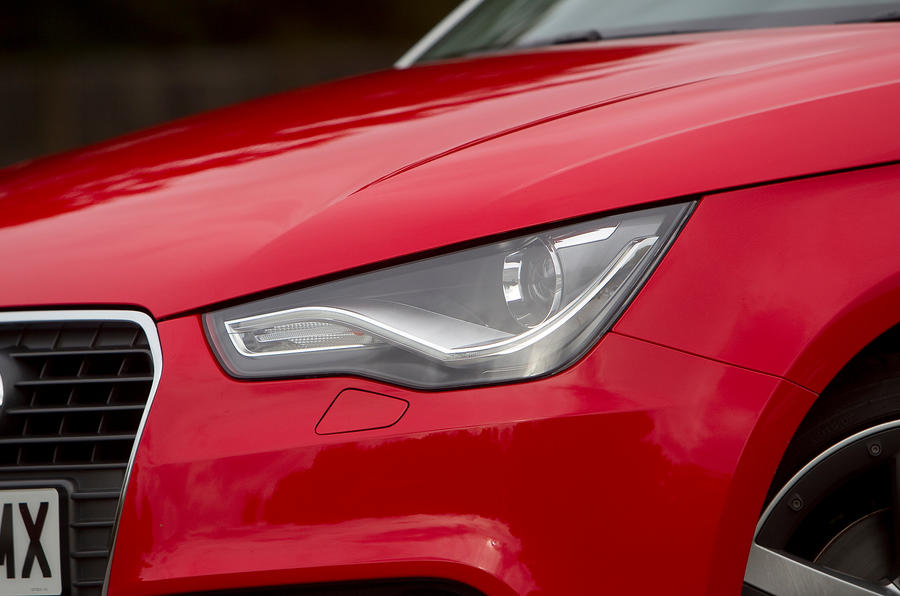 Audi A1 headlight