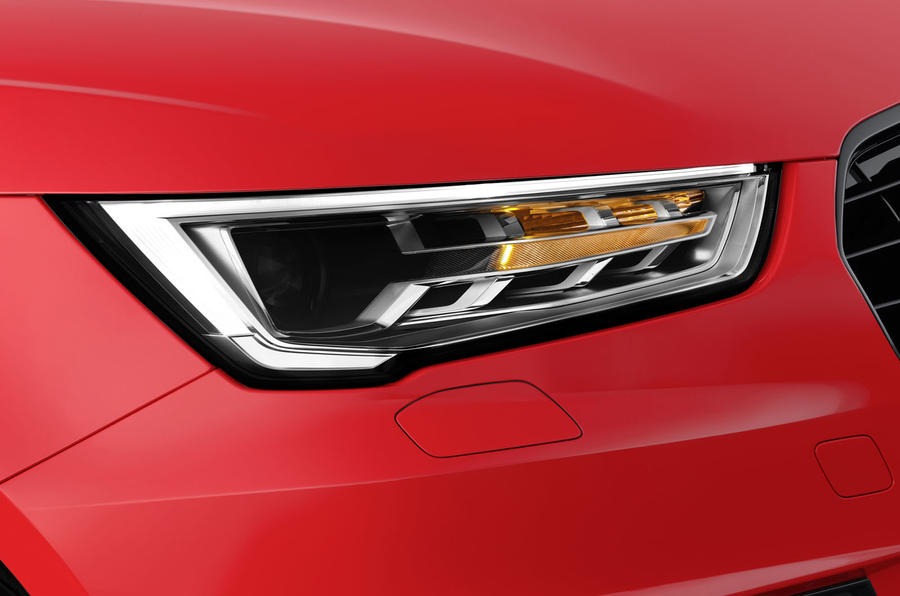 Audi A1 bi-xenon headlights