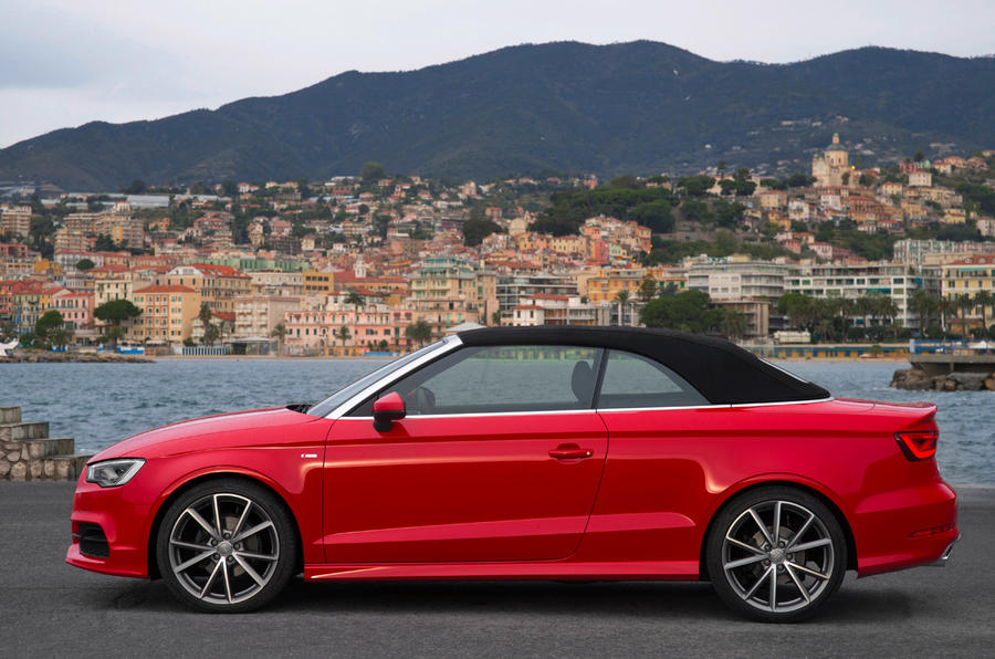Roof up Audi A3 Cabriolet