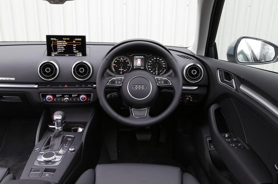 Audi A3 e-tron dashboard