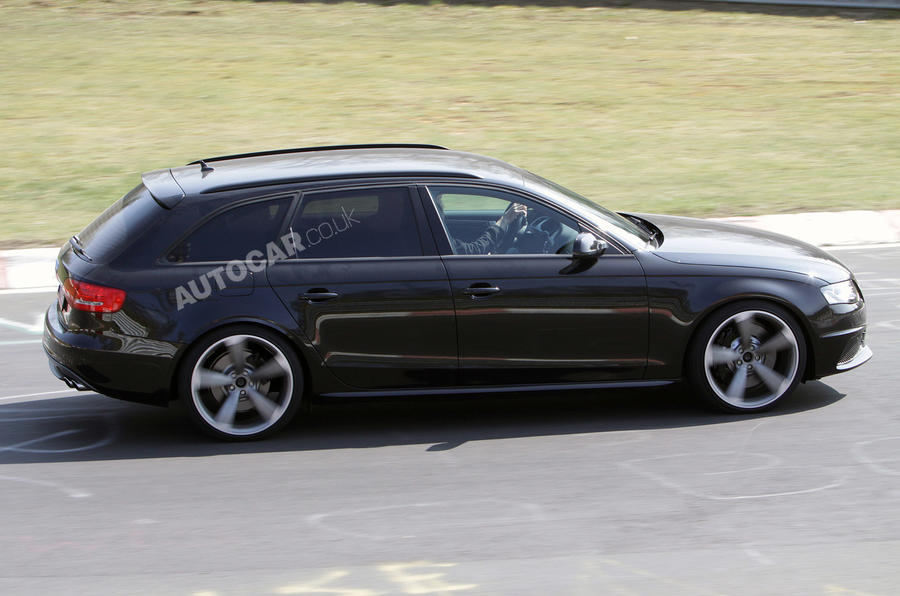 New Audi RS4 scooped