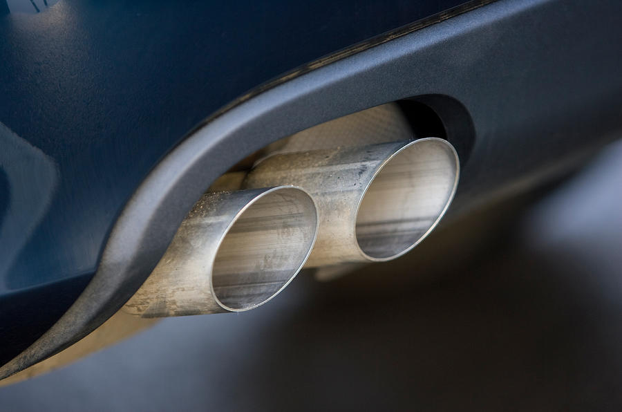 Audi A4's dual-exhaust system