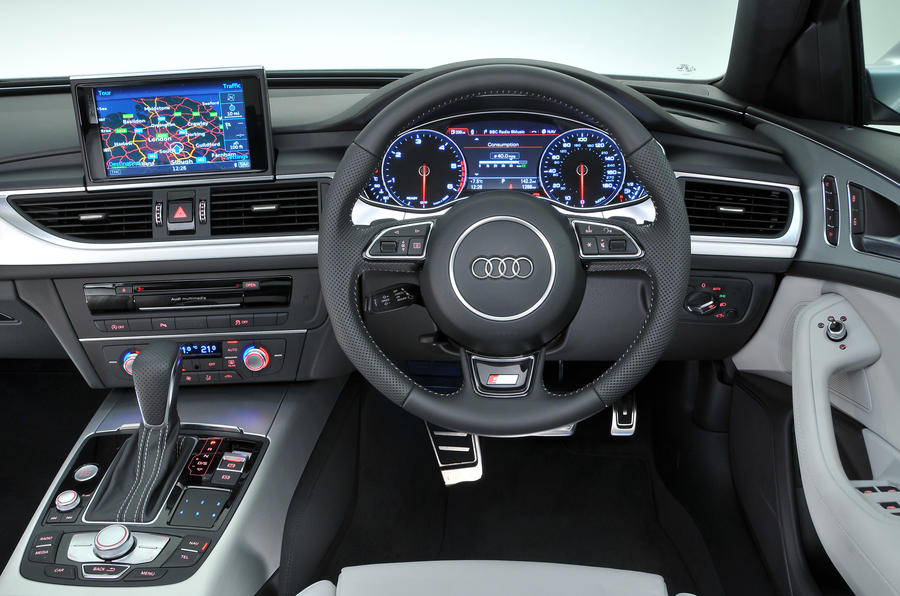 ... Audi A6 Dashboard ...