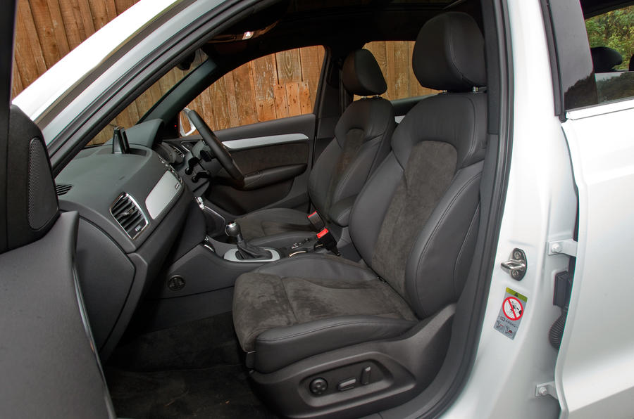 Audi Q3's front seats