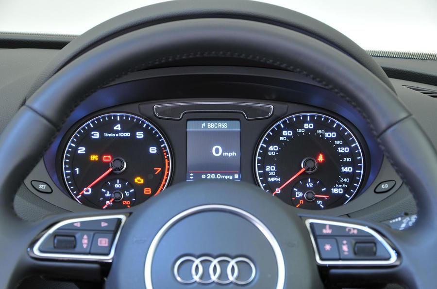 ... Audi Q3 Instrument Cluster ...