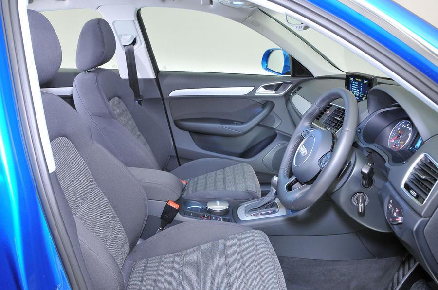 ... Audi Q3 Interior ...