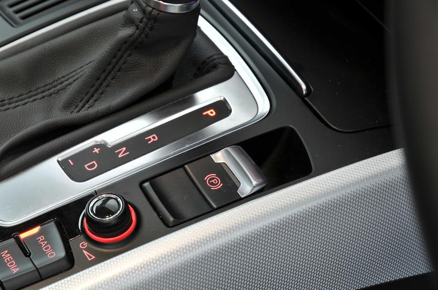 Audi Q5 electronic brake
