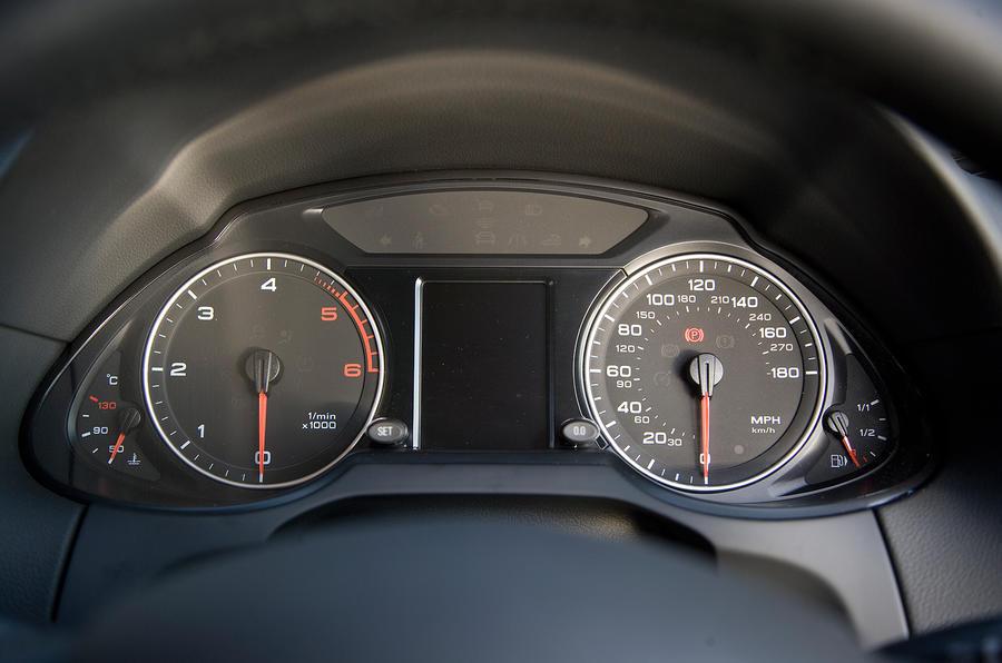 Audi Q5's instrument cluster
