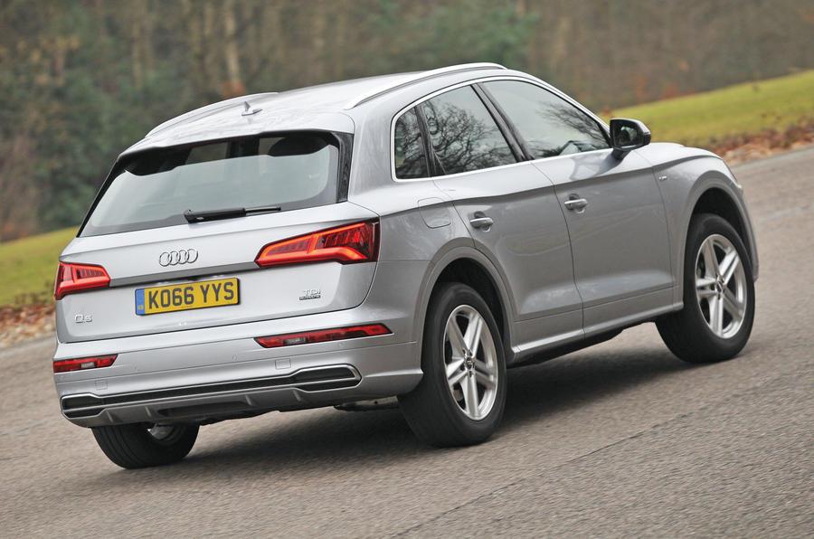 Audi Q5 rear cornering