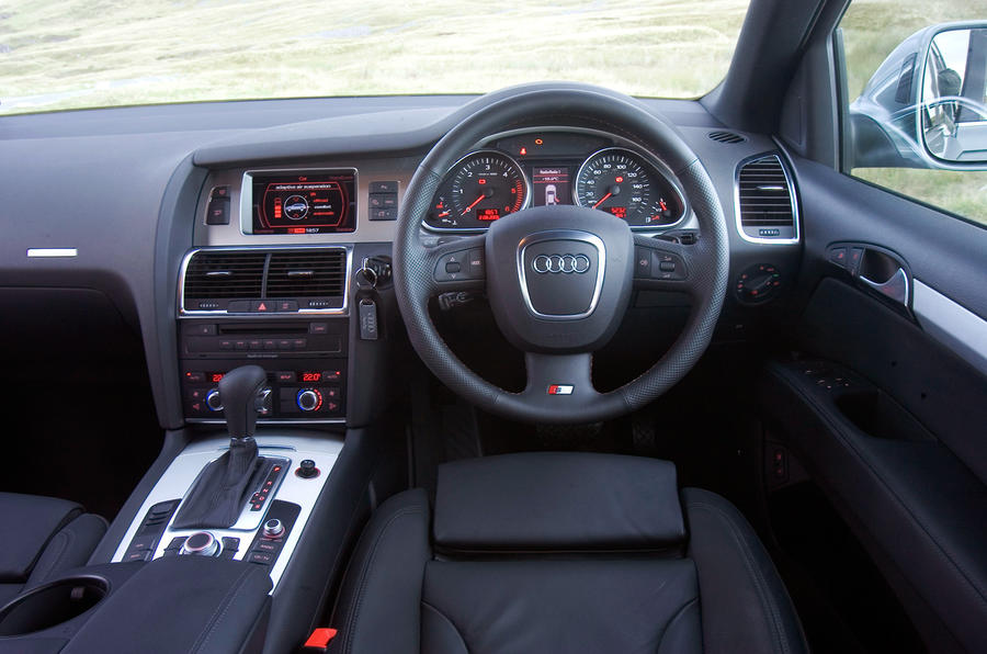 Audi Q7 driver's seat