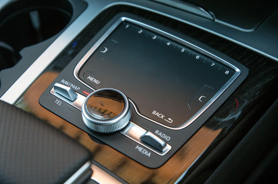 The infotainment control touch pad fitted in the Audi Q7