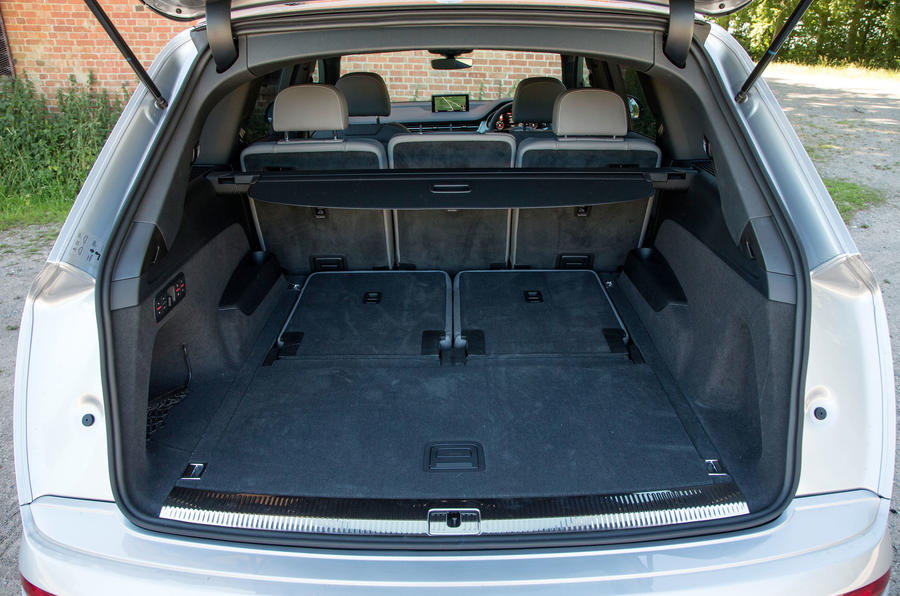 The boot opening to the massive 770 litre boot space in the Audi Q7