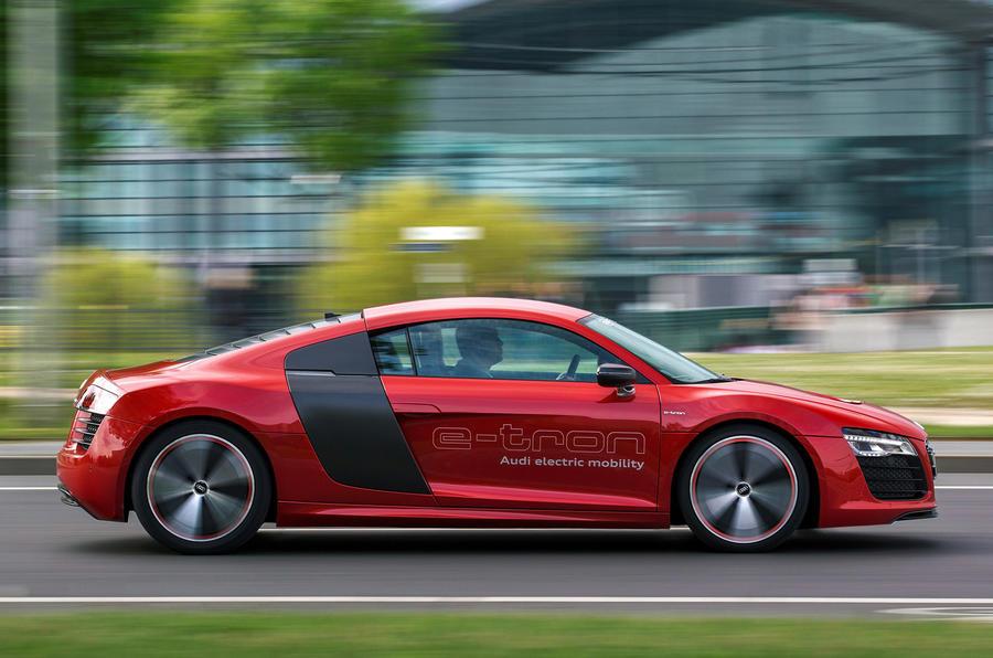 Audi R8-e-tron side profile