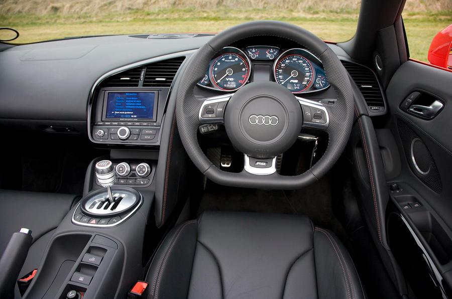 Audi R8 V10 Spyder's interior