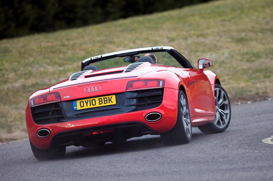Audi R8 V10 Spyder rear cornering