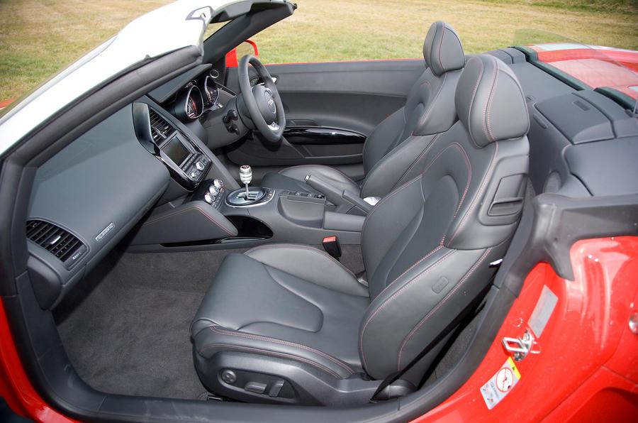 Audi R8 V10 Spyder's front seats
