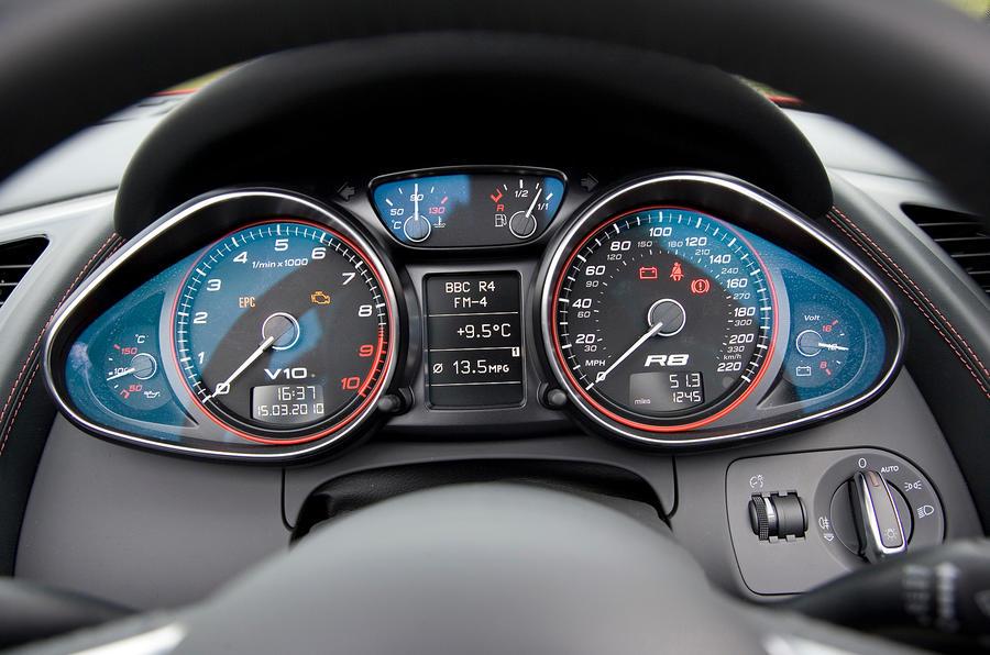 Audi R8 V10's instrument cluster
