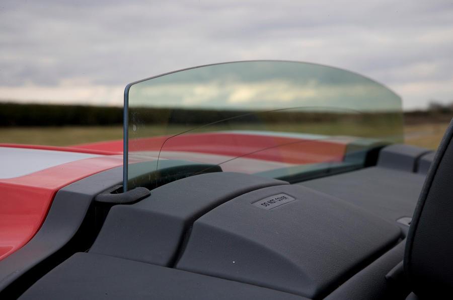 Audi R8 V10 Spyder's wind deflector