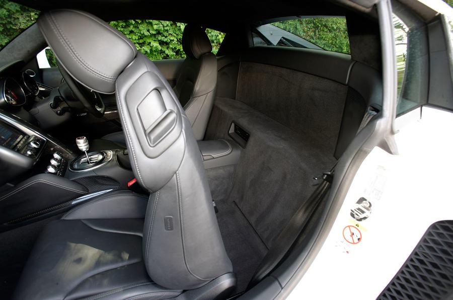 Audi R8 V10's rear space