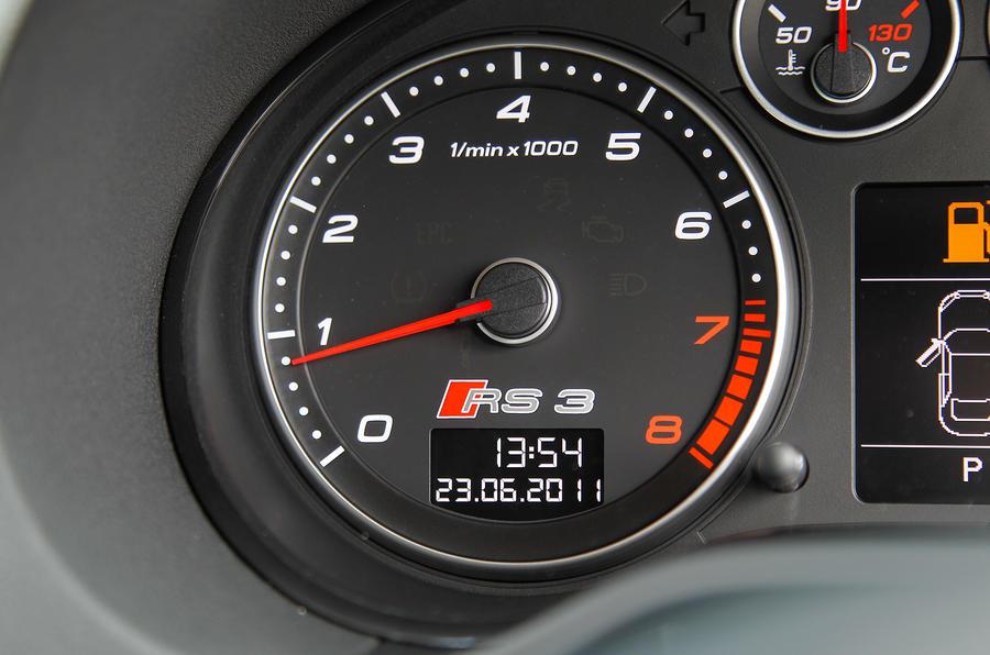 Audi RS3's speedo