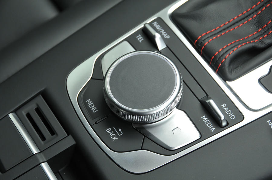 Audi RS3 infotainment controller