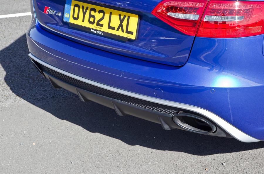Audi RS4 Avants dual exhaust