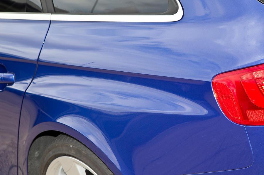 Audi RS4 Avant flared wheelarches