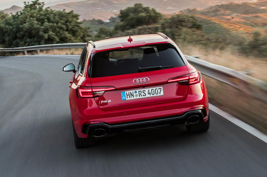 Audi RS4 Avant rear cornering