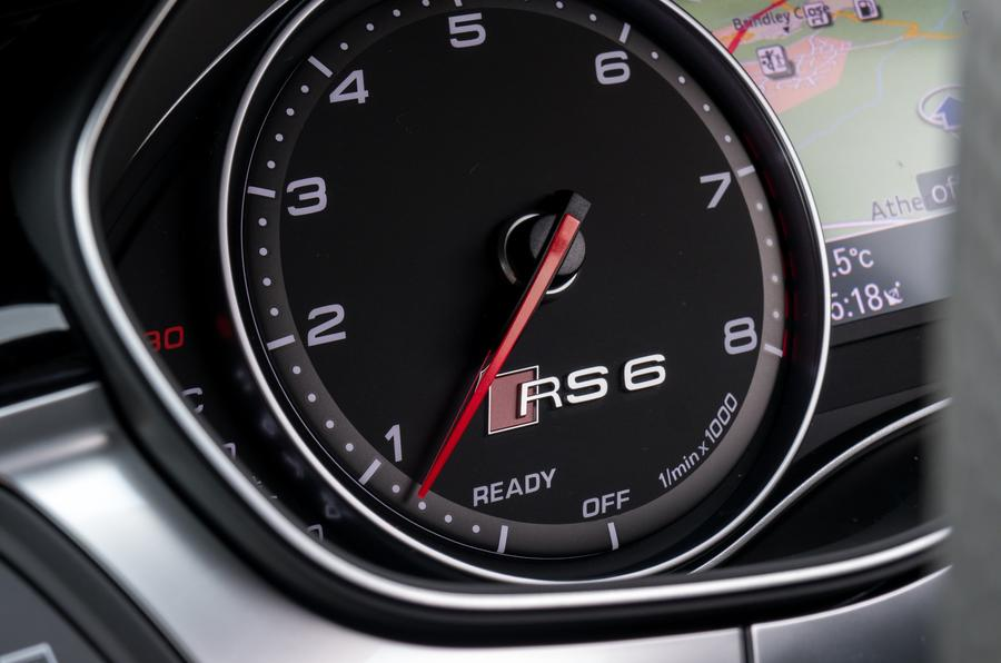 Audi RS6 rev counter