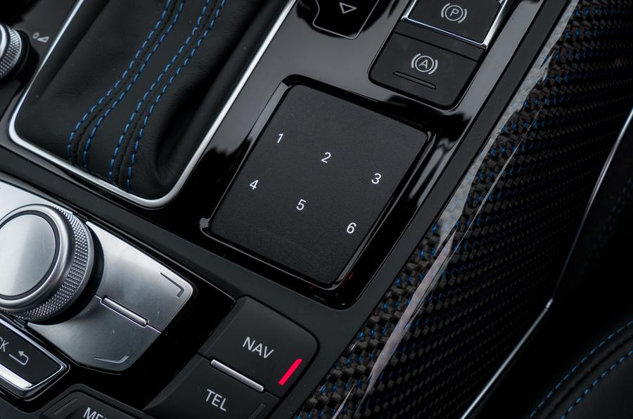 Audi RS6 infotainment touchpad