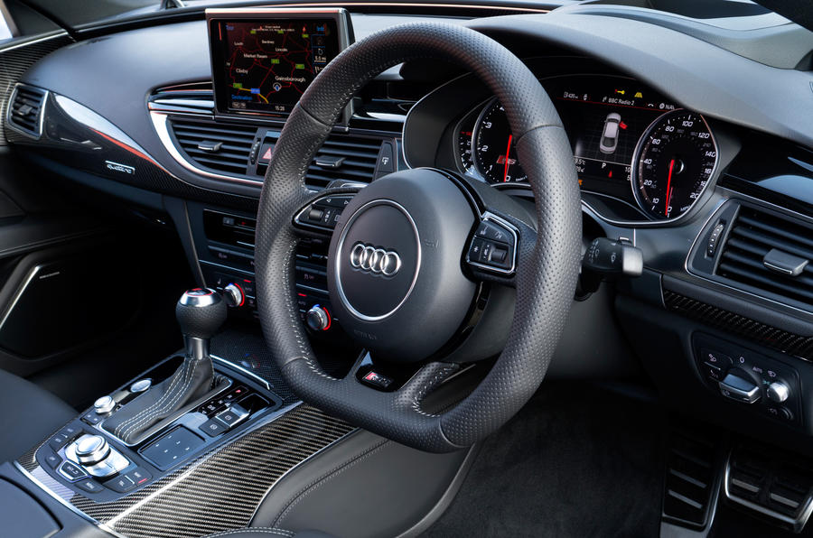 Aud RS7's steering wheel