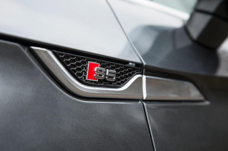 Audi S5 side badging