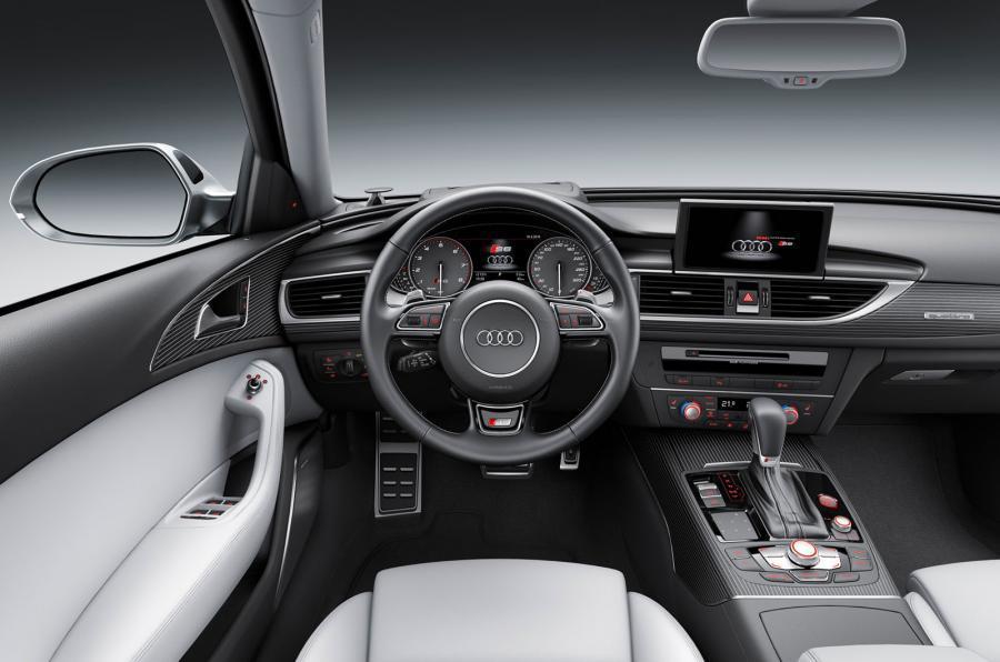 Audi S6 Avant's dashboard