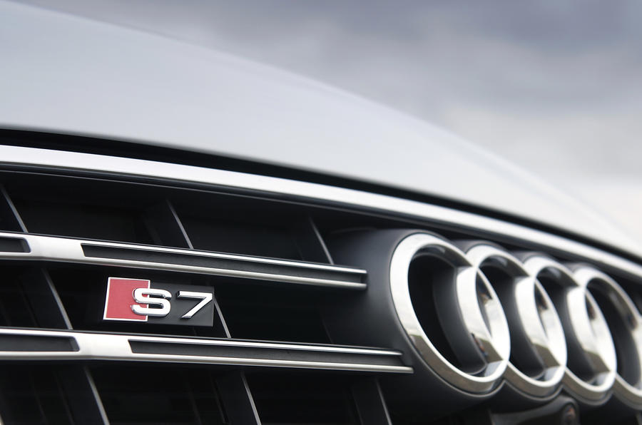 Audi S7 front grille