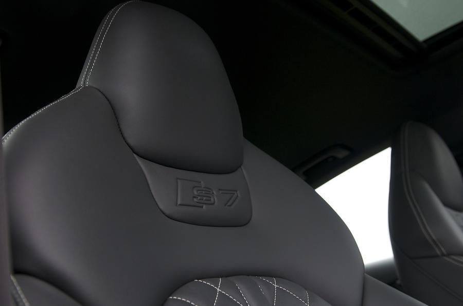 Audi S7 sports seats